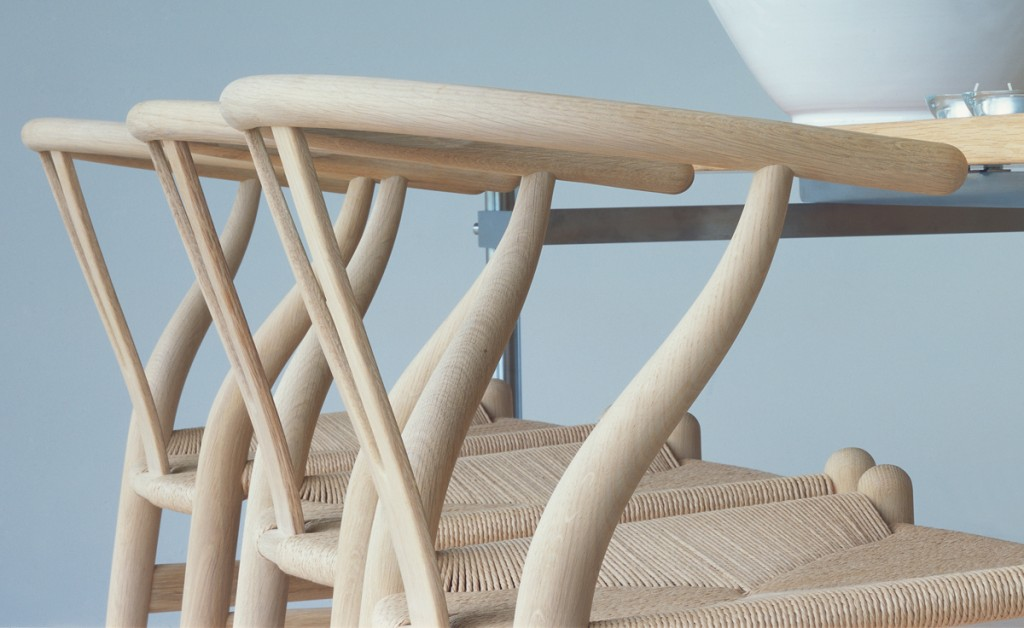 ch24-wishbone-chair-wood-hans-wegner-carl-hansen-and-son-6